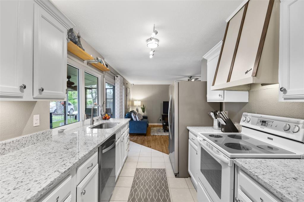 DFW Real Estate | 2109 Sandra Lane Grand Prairie, Texas 75052 8