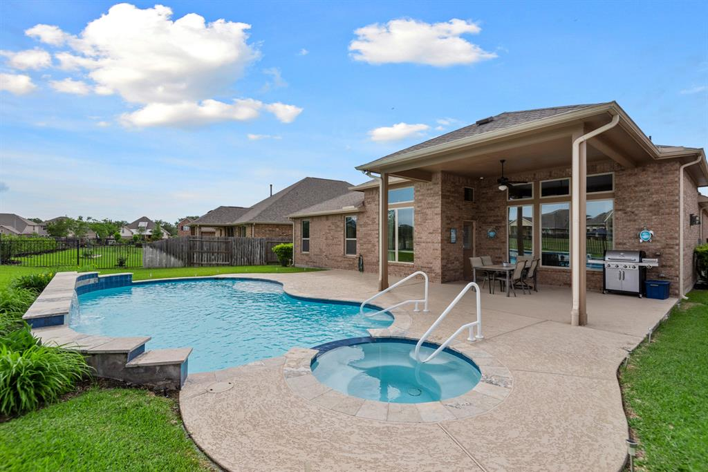 Active | 16619 Havasu Drive Cypress, Texas 77433 36