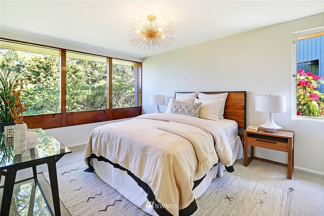 Active | 1736 NW Greenbrier Way Seattle, WA 98177 18