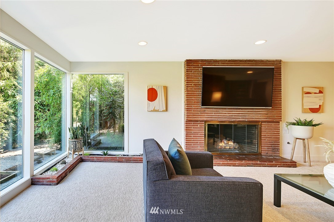 Active | 1736 NW Greenbrier Way Seattle, WA 98177 26