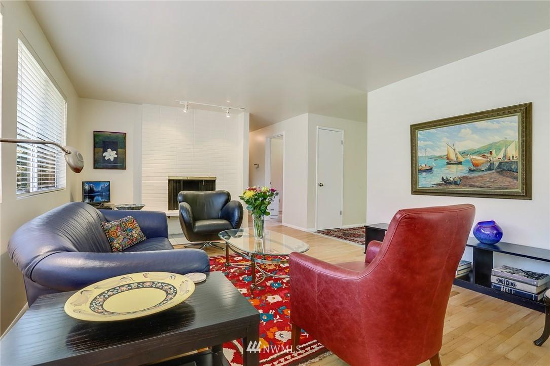 Sold Property   10826 10th Avenue SW Seattle, WA 98146 7