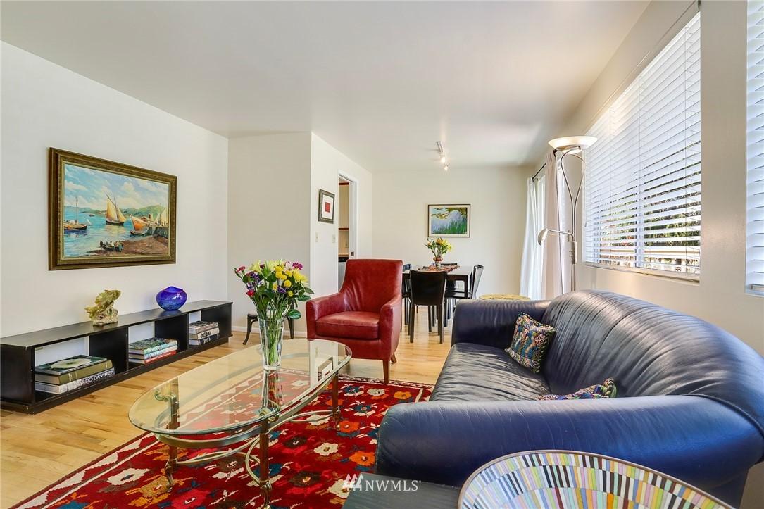 Sold Property   10826 10th Avenue SW Seattle, WA 98146 8