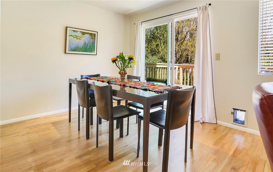 Sold Property   10826 10th Avenue SW Seattle, WA 98146 9