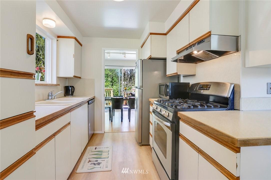 Sold Property   10826 10th Avenue SW Seattle, WA 98146 13