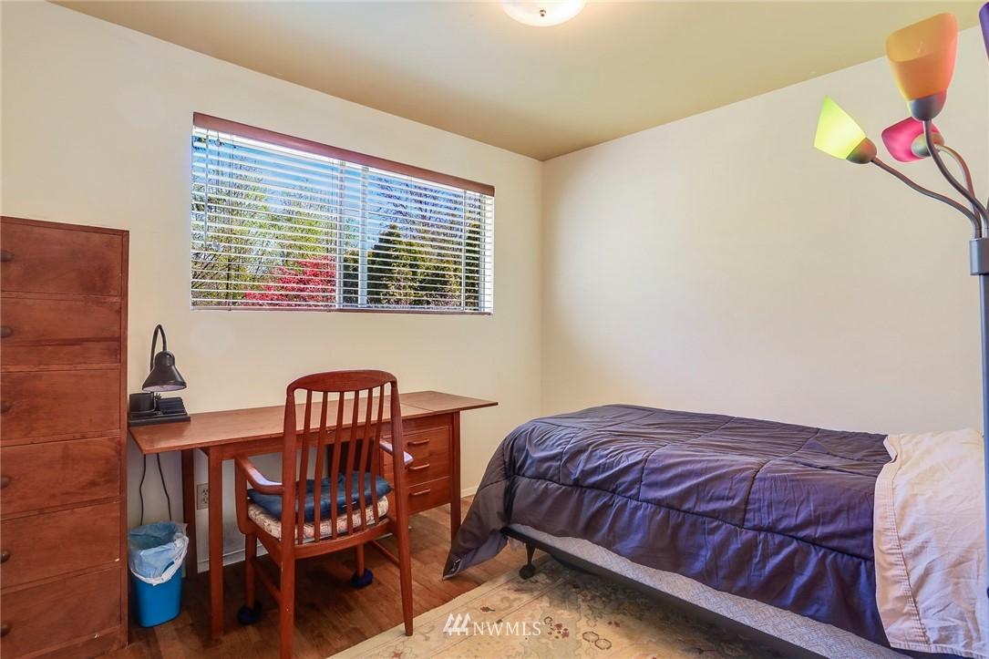 Sold Property   10826 10th Avenue SW Seattle, WA 98146 21