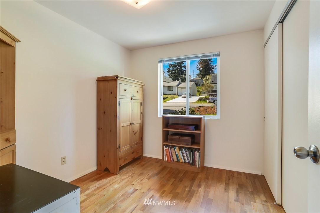 Sold Property   10826 10th Avenue SW Seattle, WA 98146 22
