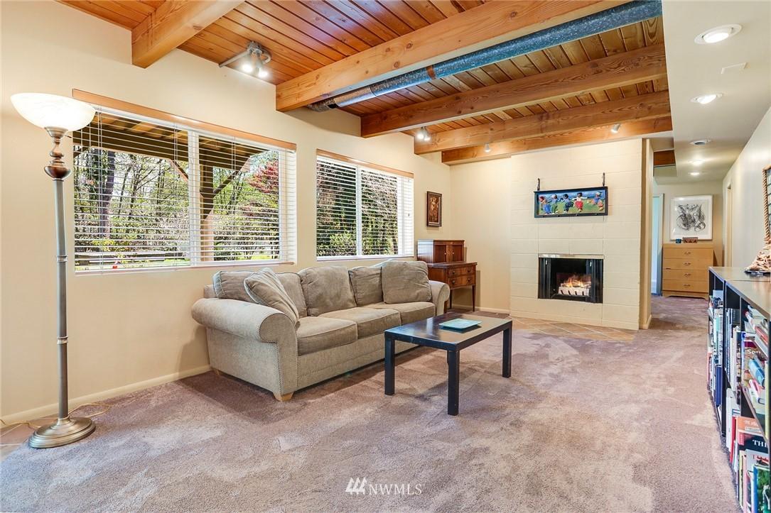 Sold Property   10826 10th Avenue SW Seattle, WA 98146 24