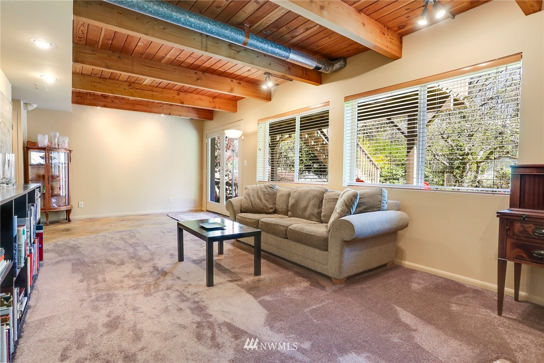 Sold Property   10826 10th Avenue SW Seattle, WA 98146 26