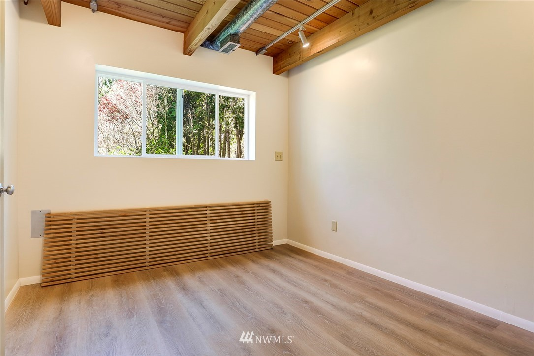 Sold Property   10826 10th Avenue SW Seattle, WA 98146 29