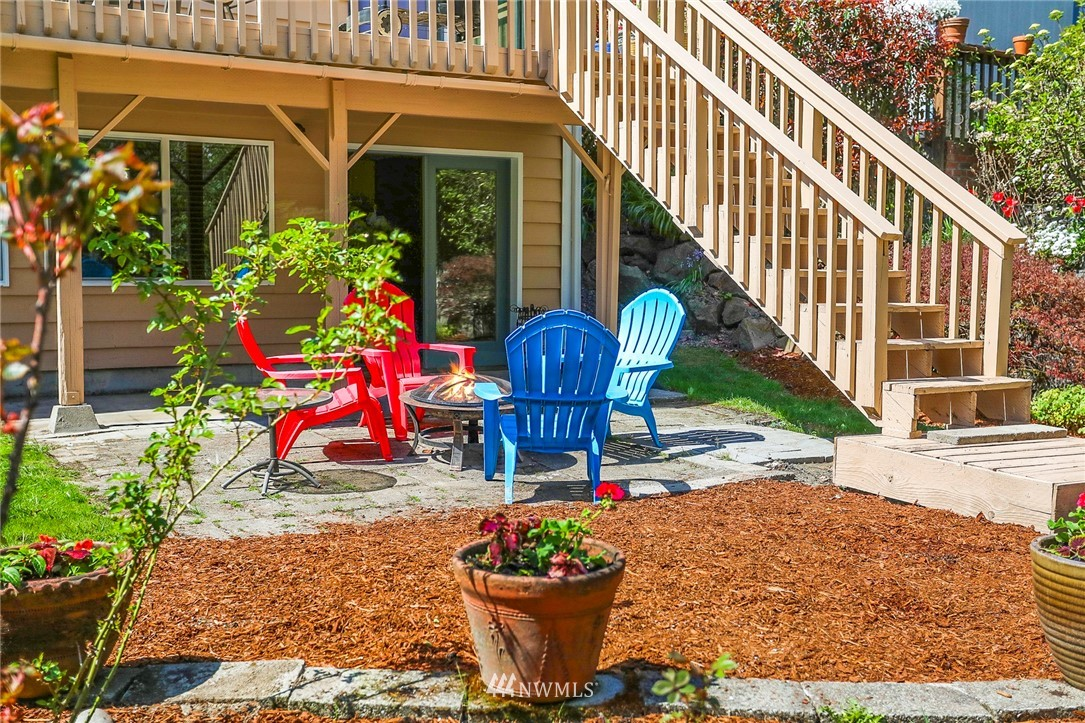 Sold Property   10826 10th Avenue SW Seattle, WA 98146 34