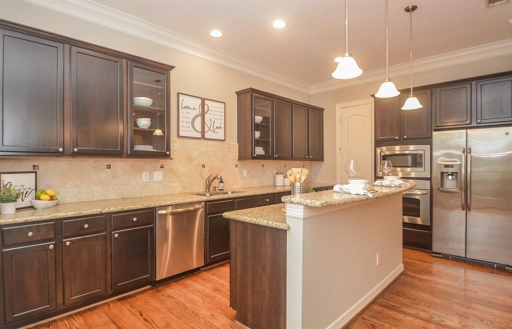 Option Pending | 5309 Egbert Street #C Houston, Texas 77007 11