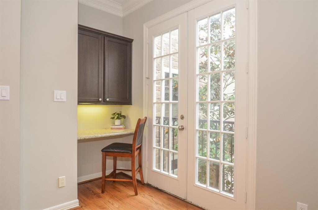 Option Pending | 5309 Egbert Street #C Houston, Texas 77007 15