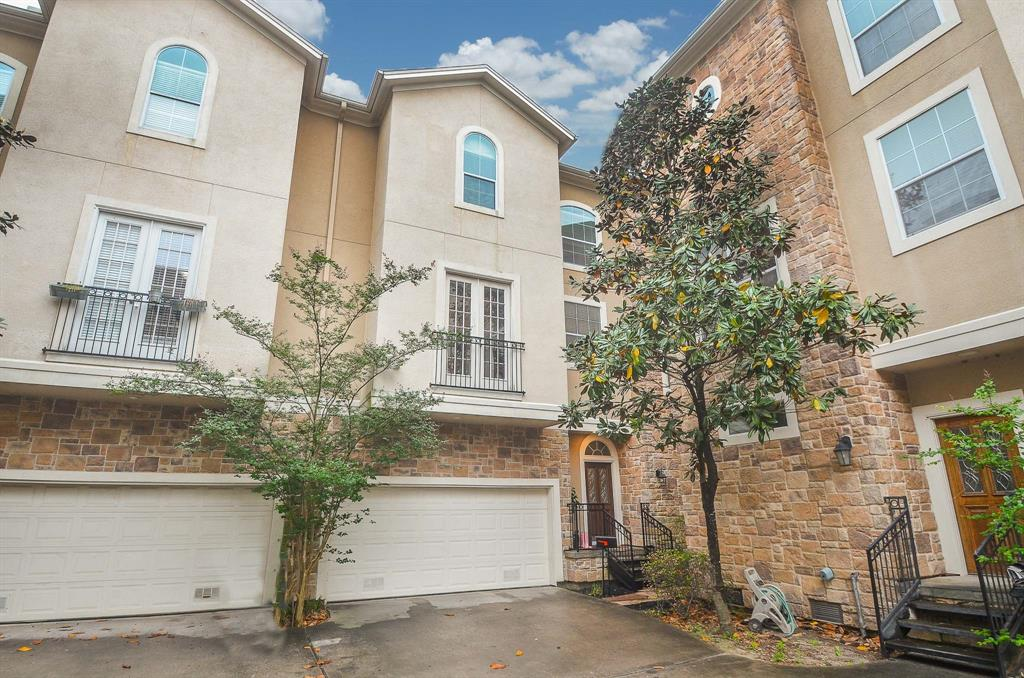Option Pending | 5309 Egbert Street #C Houston, Texas 77007 2