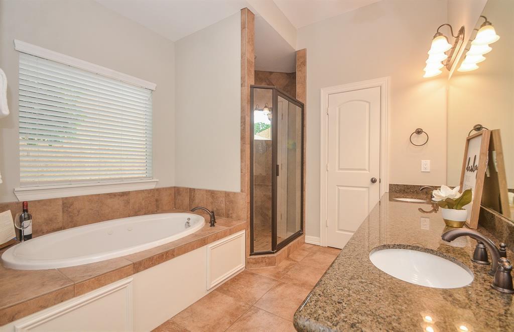 Option Pending | 5309 Egbert Street #C Houston, Texas 77007 26