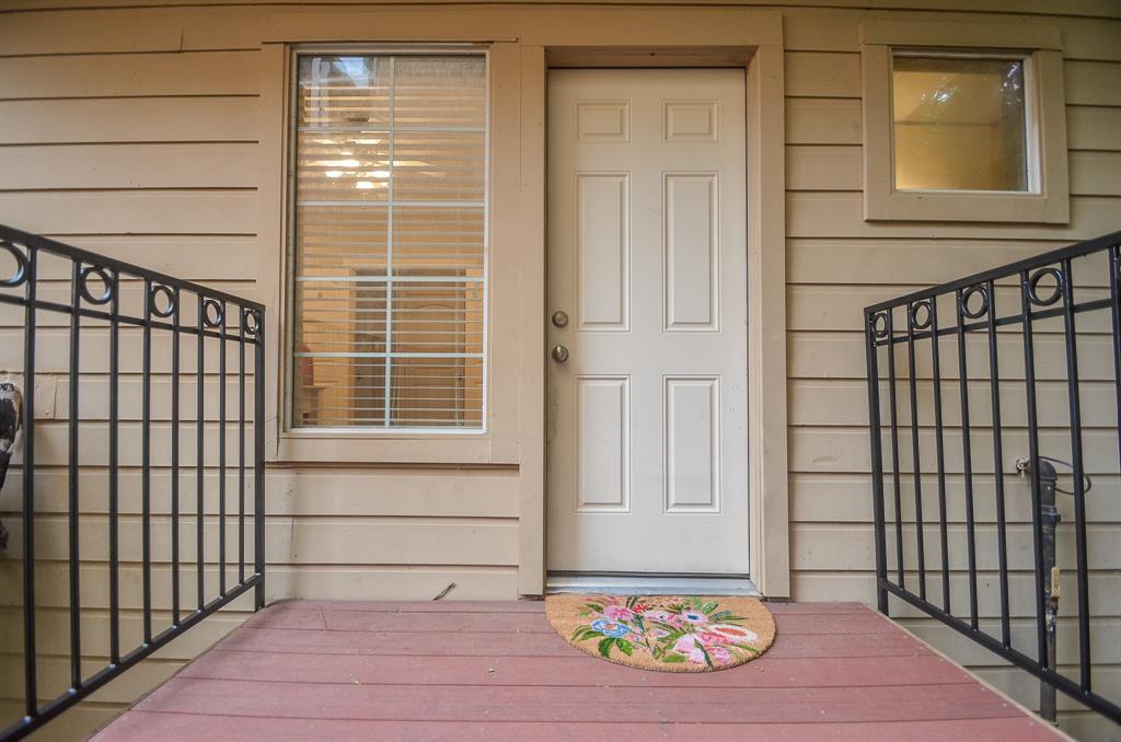 Option Pending | 5309 Egbert Street #C Houston, Texas 77007 29