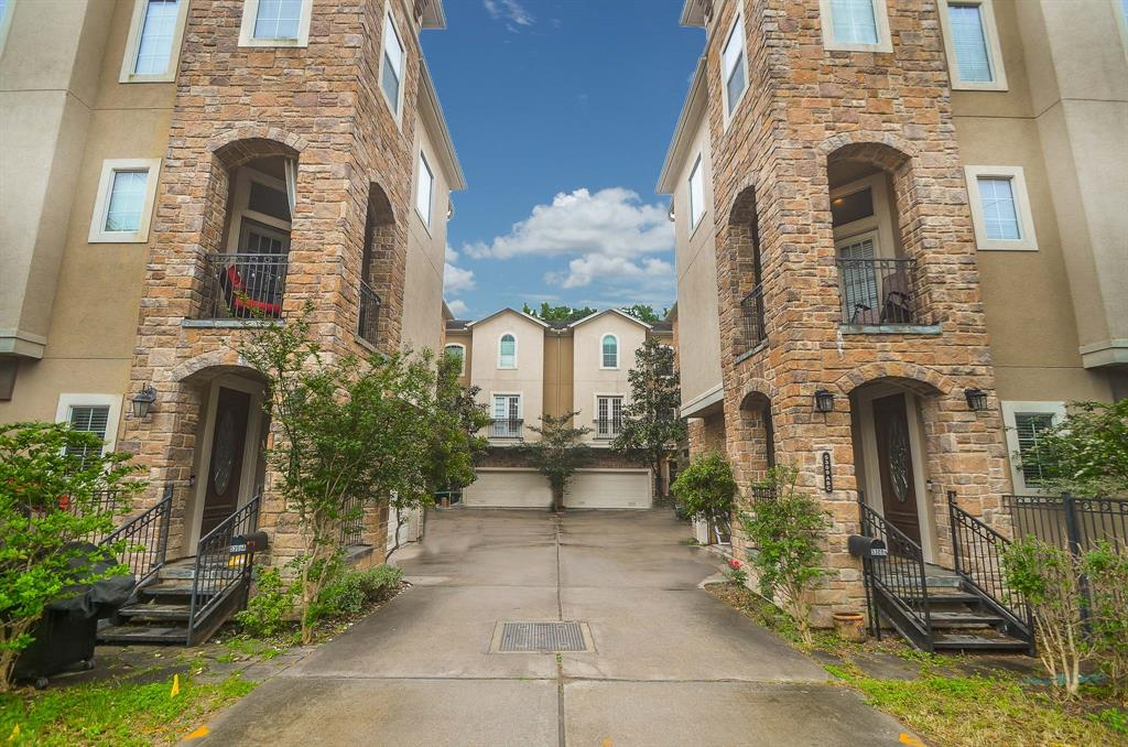 Option Pending | 5309 Egbert Street #C Houston, Texas 77007 32