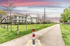 Option Pending | 5309 Egbert Street #C Houston, Texas 77007 33