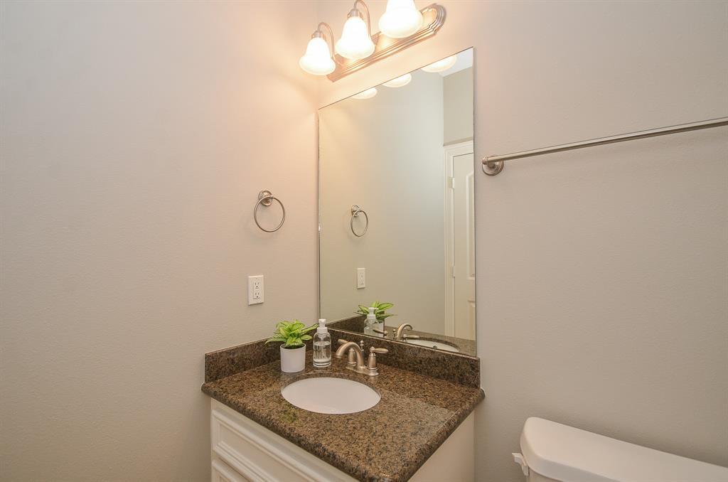 Option Pending | 5309 Egbert Street #C Houston, Texas 77007 6