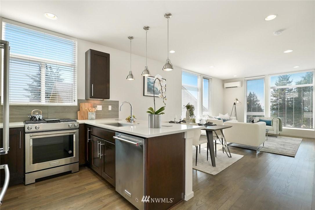 Sold Property | 11219 Greenwood Avenue N #A Seattle, WA 98133 3