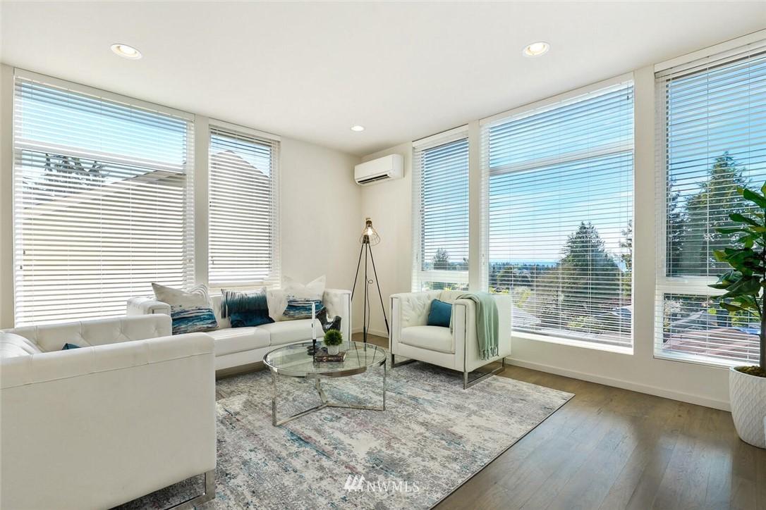 Sold Property | 11219 Greenwood Avenue N #A Seattle, WA 98133 8