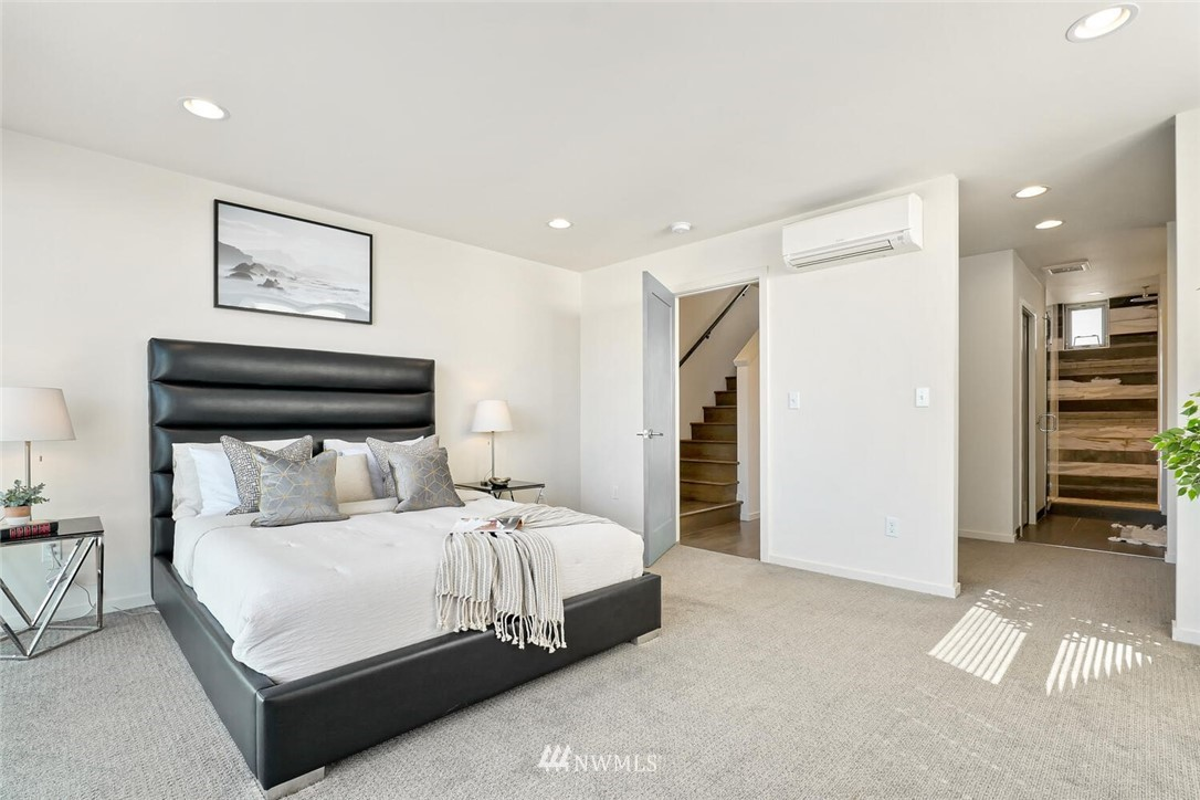 Sold Property | 11219 Greenwood Avenue N #A Seattle, WA 98133 13