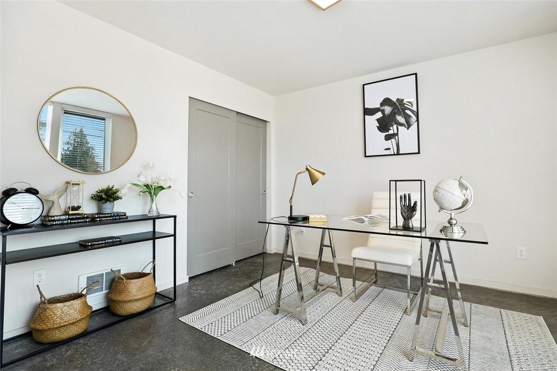 Sold Property | 11219 Greenwood Avenue N #A Seattle, WA 98133 17