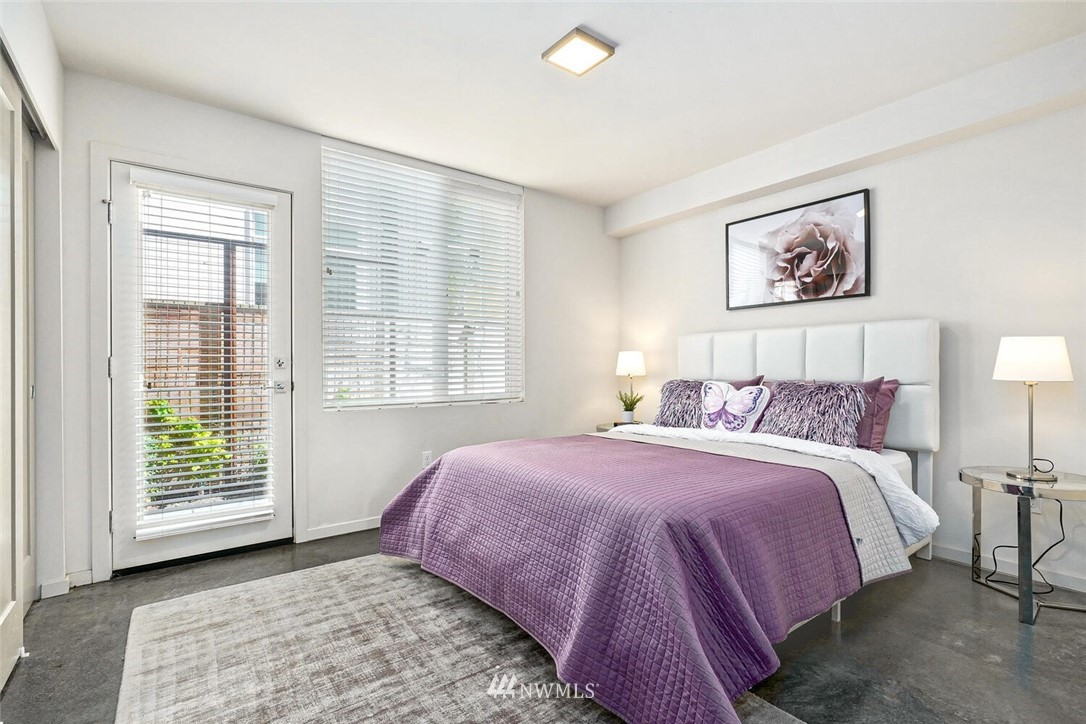 Sold Property | 11219 Greenwood Avenue N #A Seattle, WA 98133 18