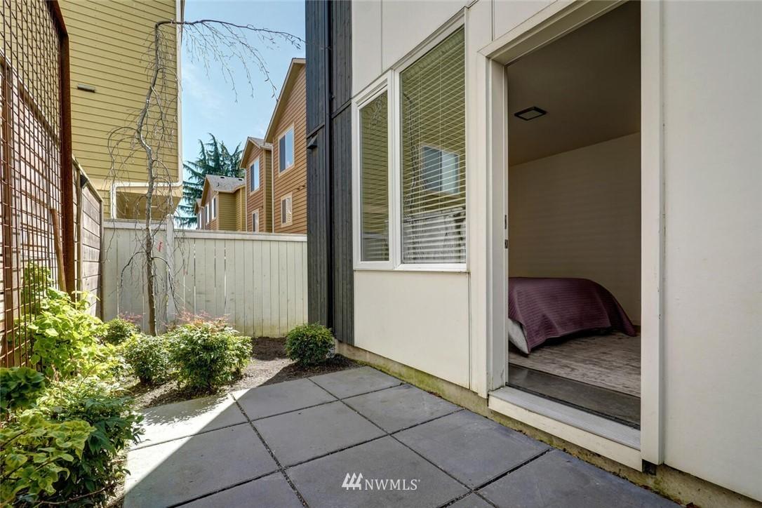 Sold Property | 11219 Greenwood Avenue N #A Seattle, WA 98133 20