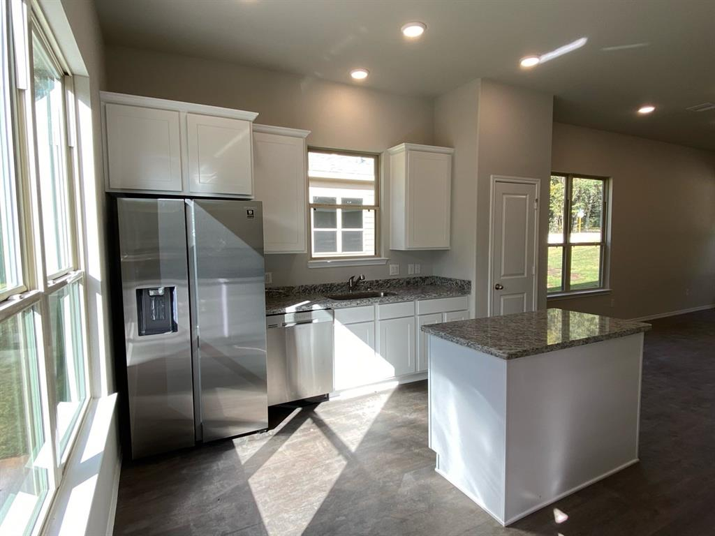 Active   711 Little River Drive Montgomery, Texas 77316 2