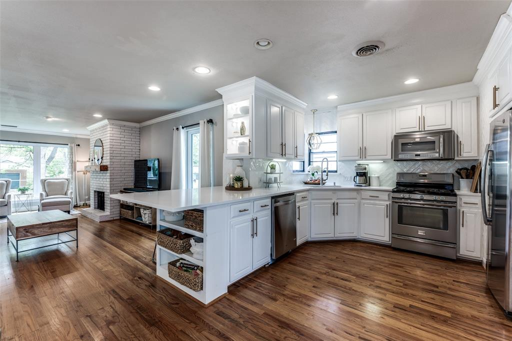 Sold Property   3747 Valley Ridge Road Dallas, Texas 75220 13