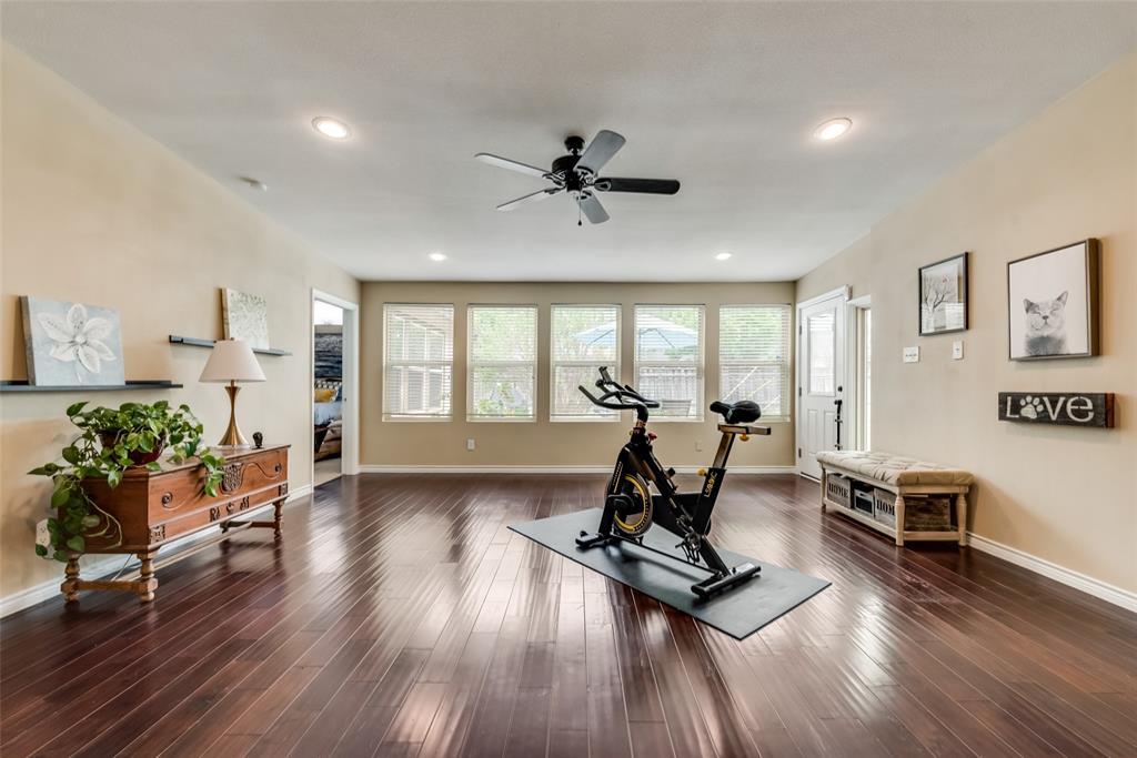 Active | 3809 Crown Shore Drive Dallas, Texas 75244 5
