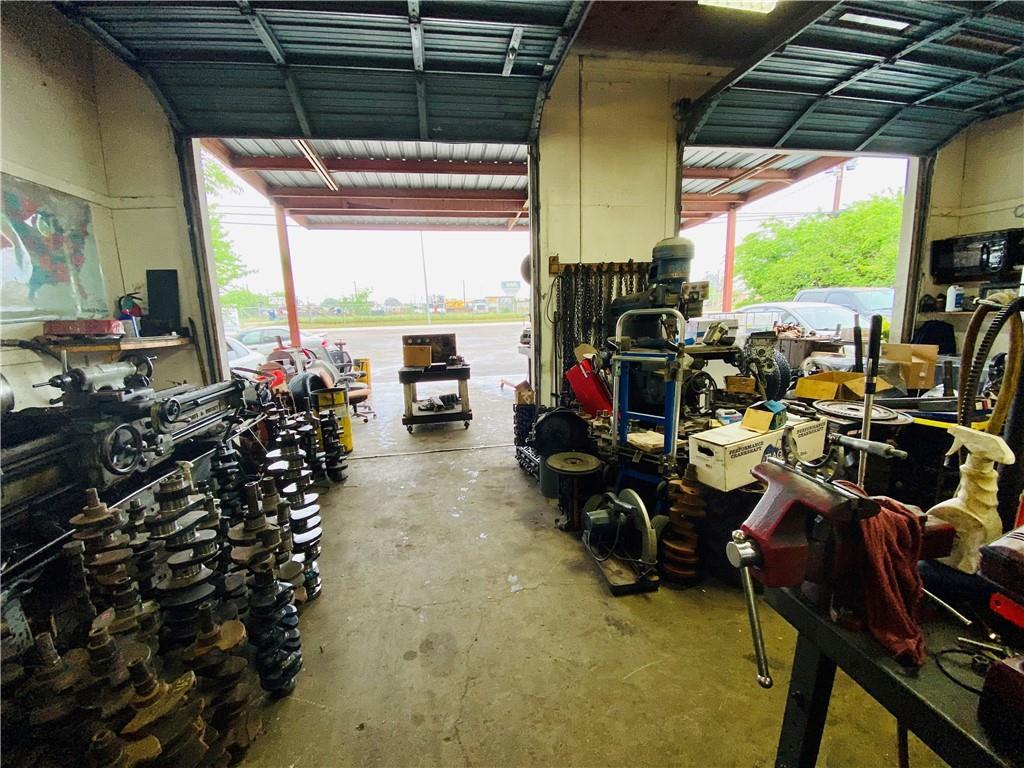 Active   1160 W Goforth Road Buda, TX 78610 7