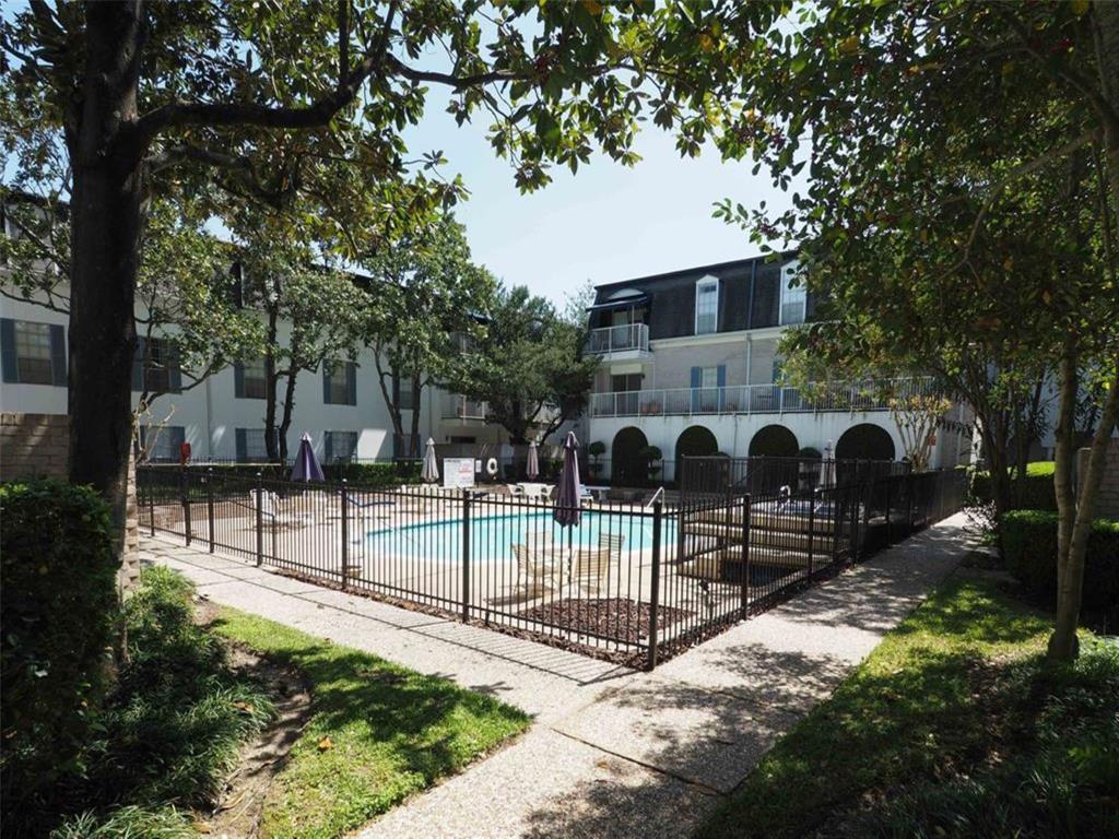 Off Market | 2601 Bellefontaine Street #C102 Houston, Texas 77025 17