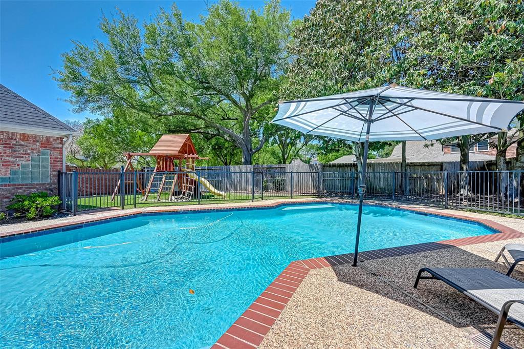 Active | 3403 Creekstone Drive Sugar Land, Texas 77479 46