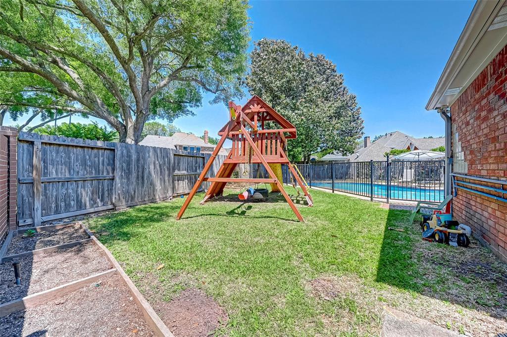 Active | 3403 Creekstone Drive Sugar Land, Texas 77479 50
