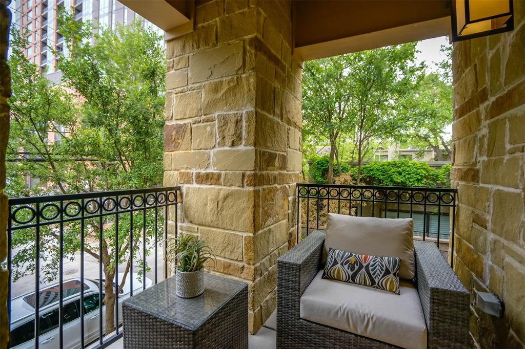 Active Option Contract | 2811 Hood Street #B Dallas, Texas 75219 28