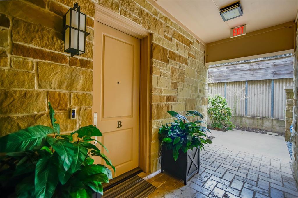 Active Option Contract | 2811 Hood Street #B Dallas, Texas 75219 2