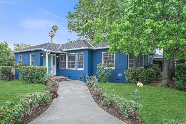 Active | 16858 Clark Street Encino, CA 91436 2