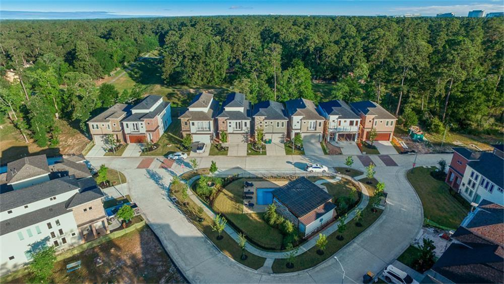 Active | 22 Jarvis Row Circle The Woodlands, Texas 77380 2