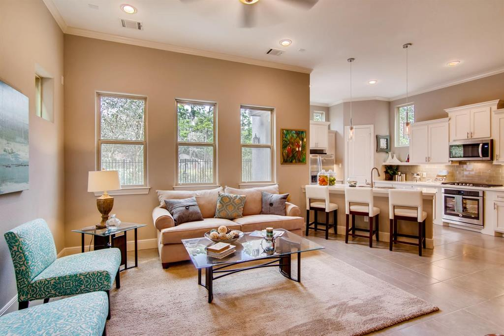 Active | 22 Jarvis Row Circle The Woodlands, Texas 77380 4