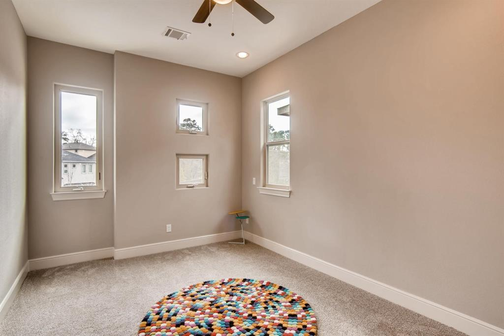 Active | 22 Jarvis Row Circle The Woodlands, Texas 77380 6