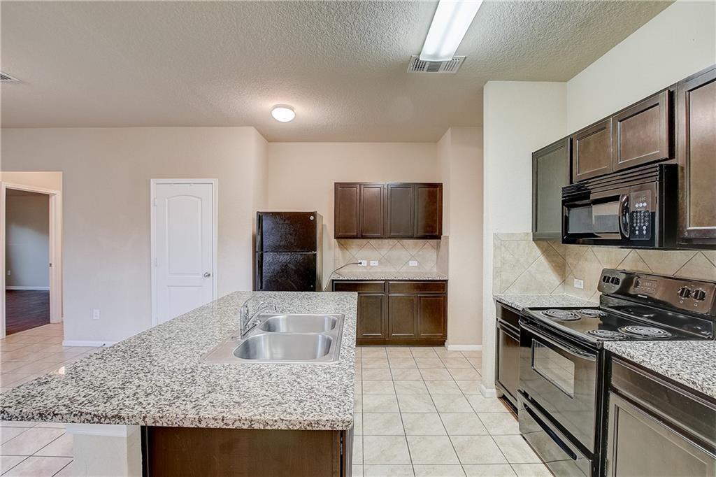 Pending | 610 Pinnacle Drive Georgetown, TX 78626 28