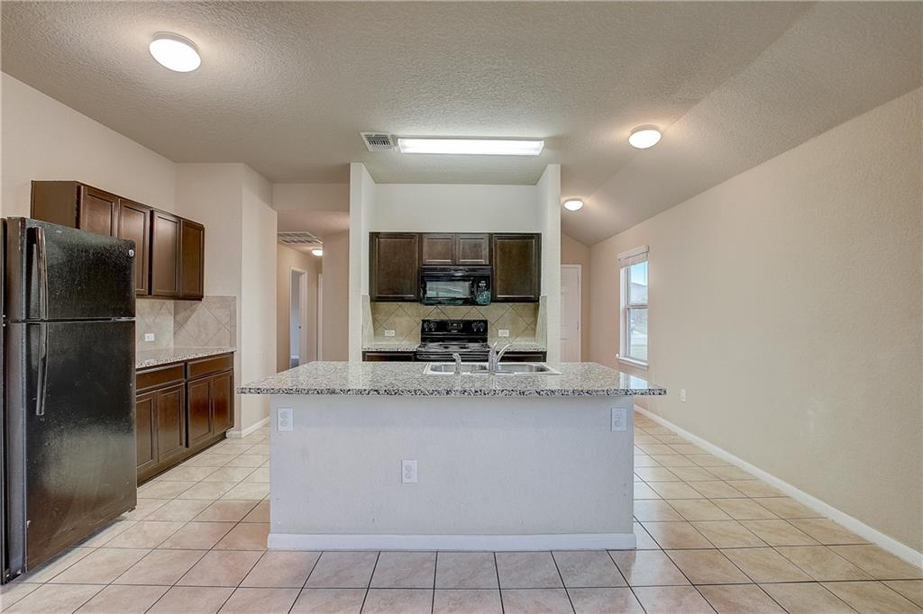 Pending | 610 Pinnacle Drive Georgetown, TX 78626 29