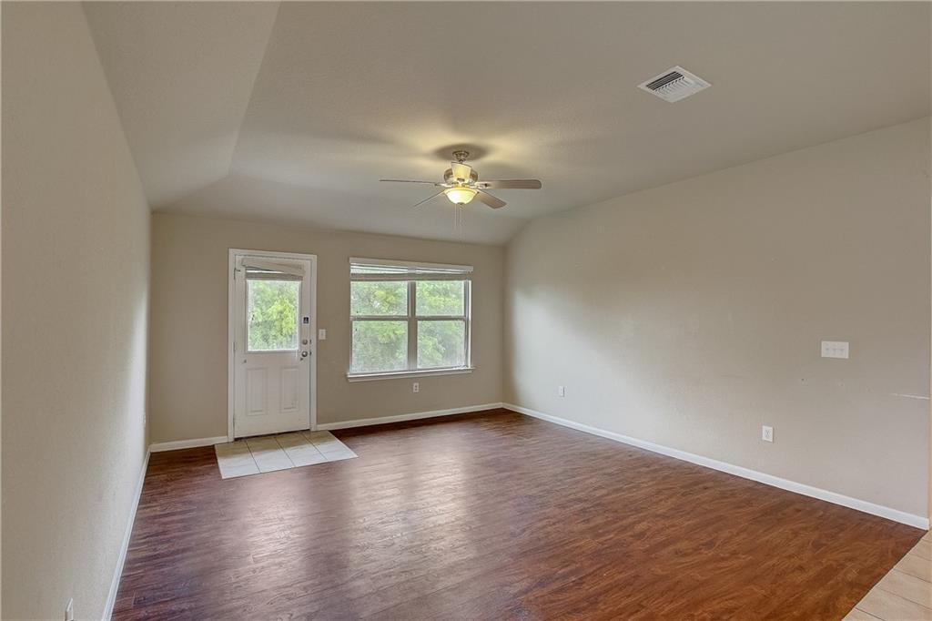 Pending | 610 Pinnacle Drive Georgetown, TX 78626 37