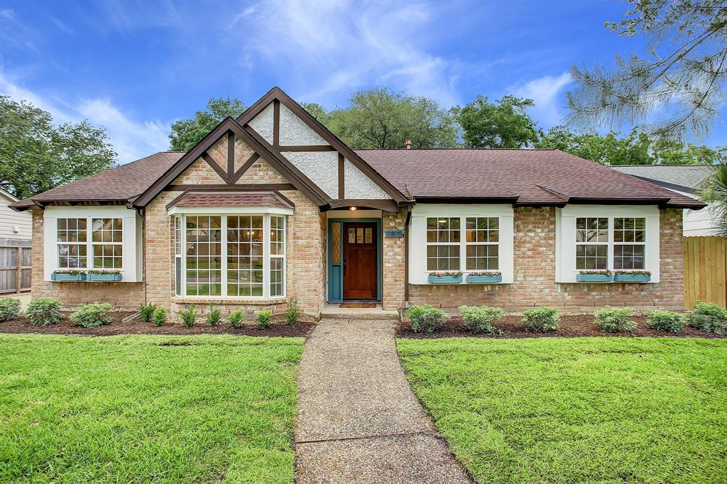 Pending Continue to Show | 11815 Westmere Drive Houston, Texas 77077 0