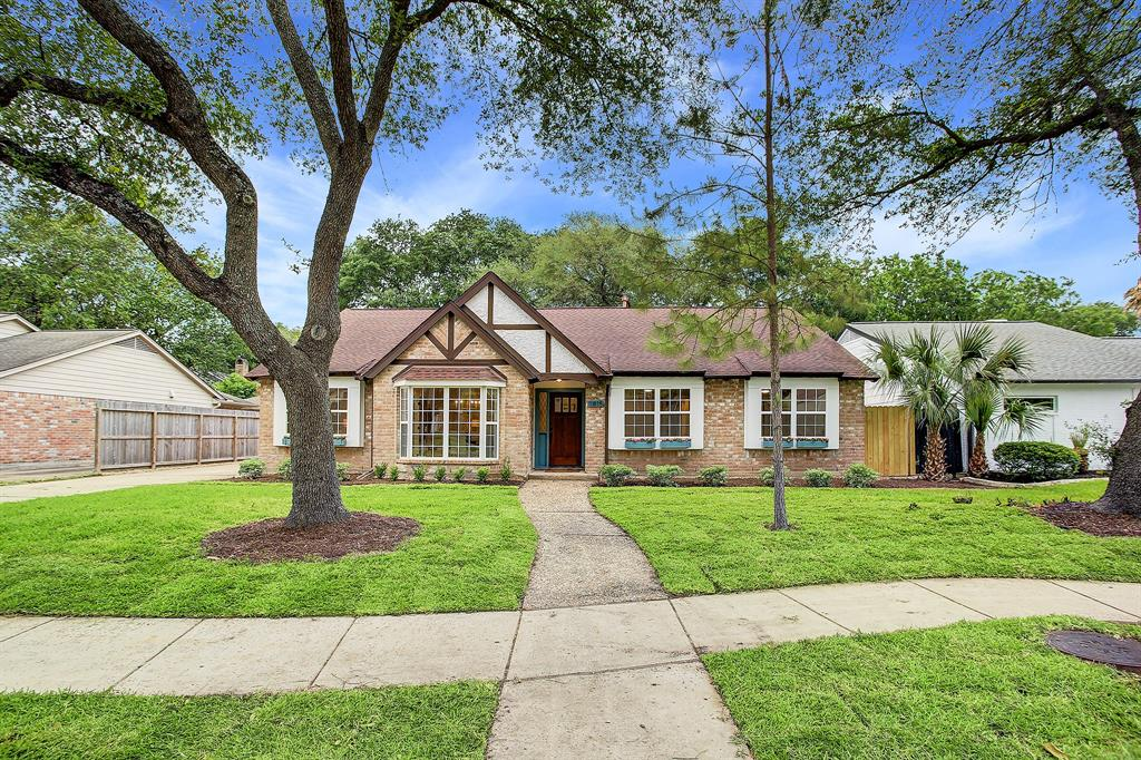 Pending Continue to Show | 11815 Westmere Drive Houston, Texas 77077 32
