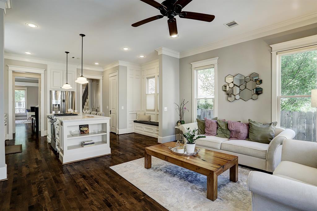 Pending   928 Waverly Street #B Houston, Texas 77008 19