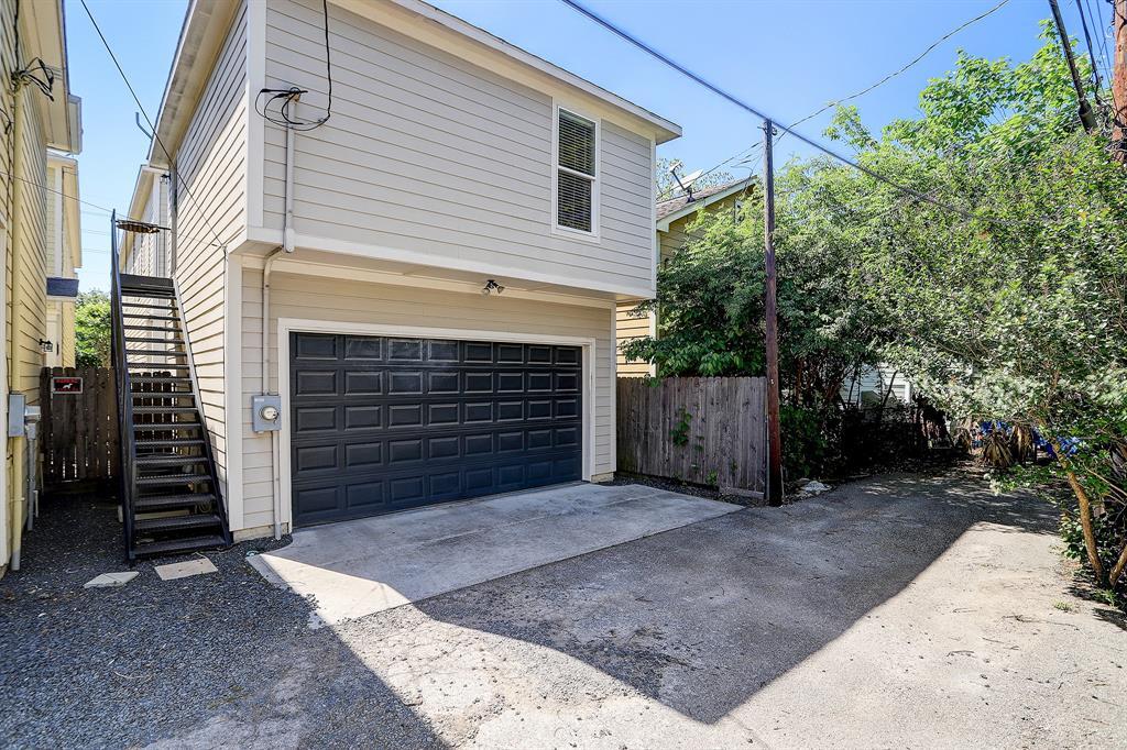 Pending   928 Waverly Street #B Houston, Texas 77008 41