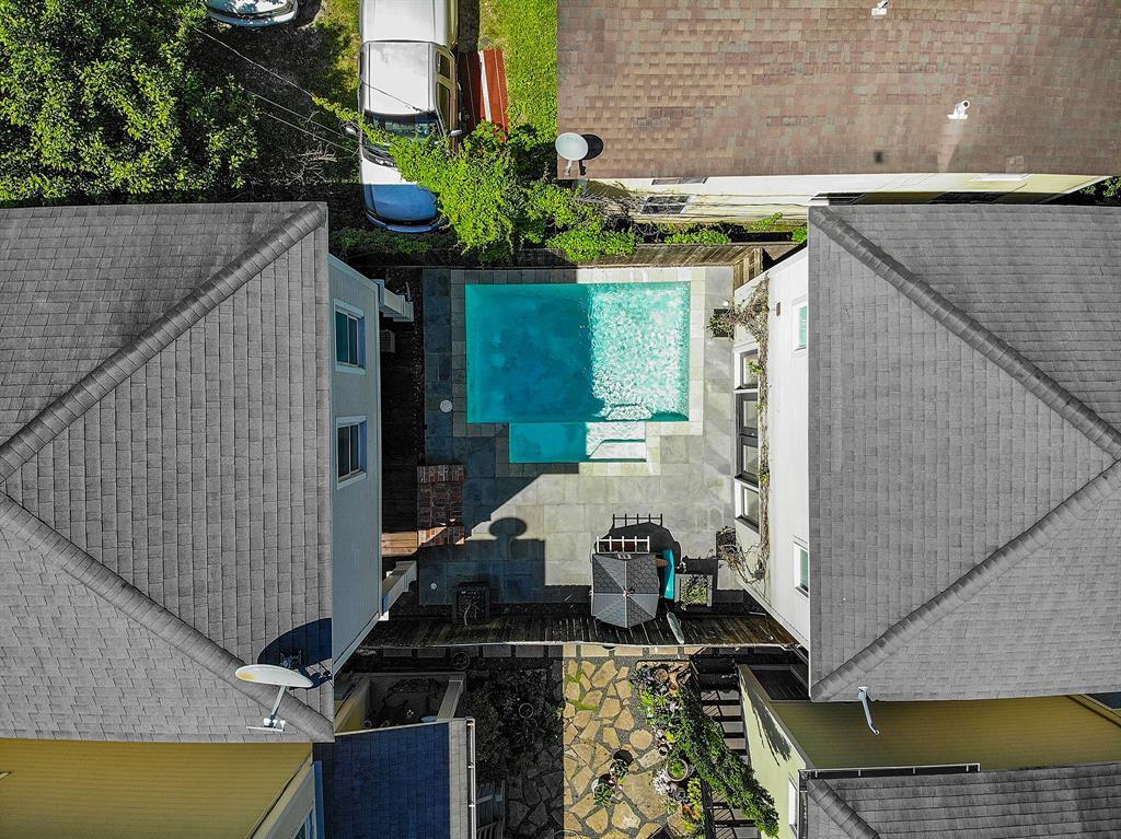 Pending   928 Waverly Street #B Houston, Texas 77008 47