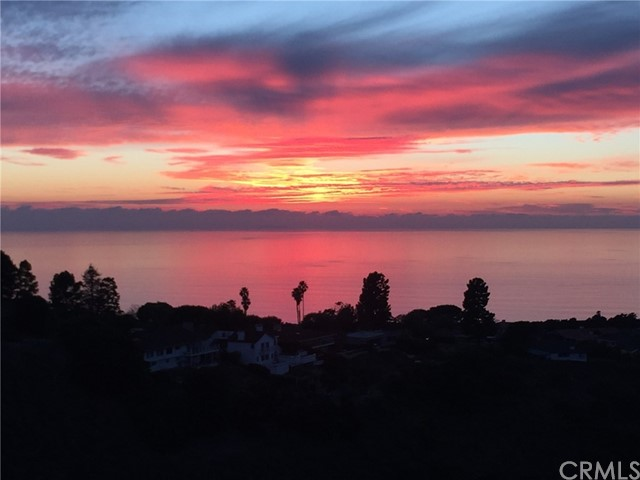 Active | 6542 Ocean Crest Drive #D-308 Rancho Palos Verdes, CA 90275 5